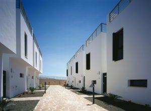 47 Viviendas. Residencial Los Calderones. El Medano. Tenerife