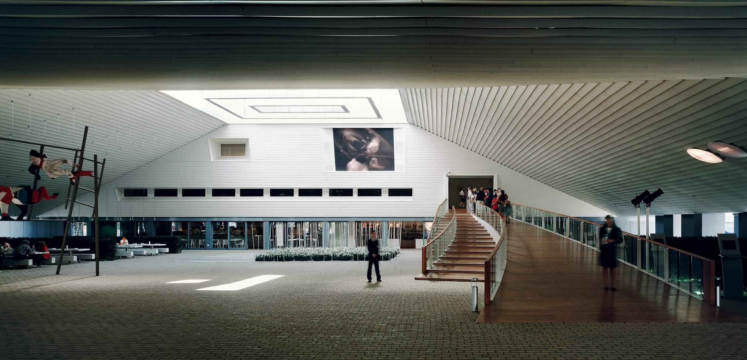 7-hannover-plaza-interiordm12